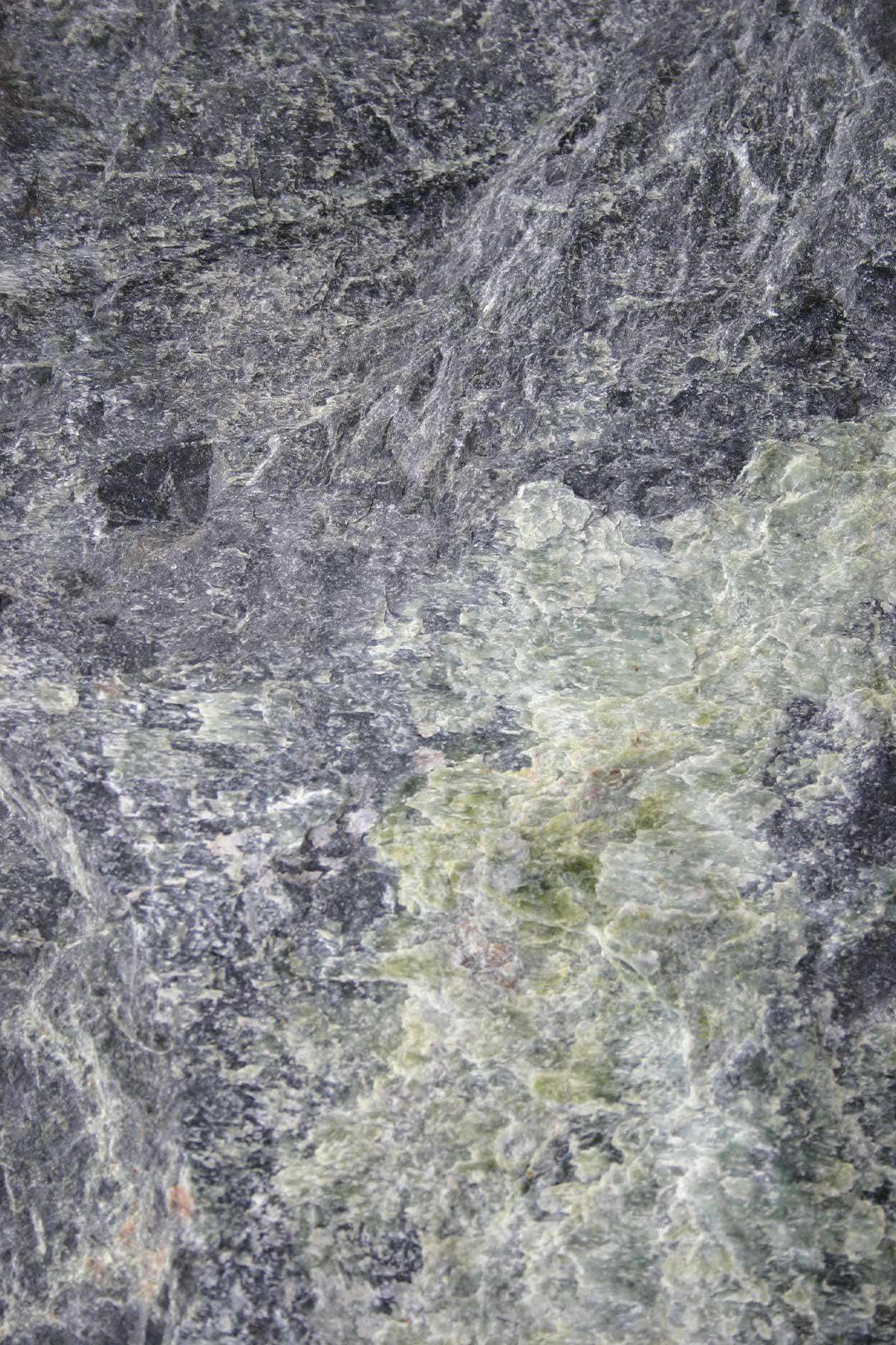 Tauerngrün gespalten
